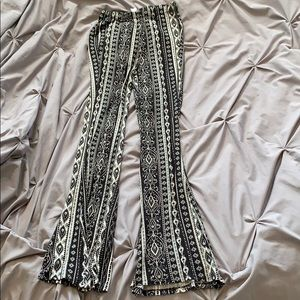 NWT F21 Super Soft Fit and Flare Patterned Pants